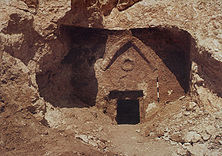 tomb_entrance_image